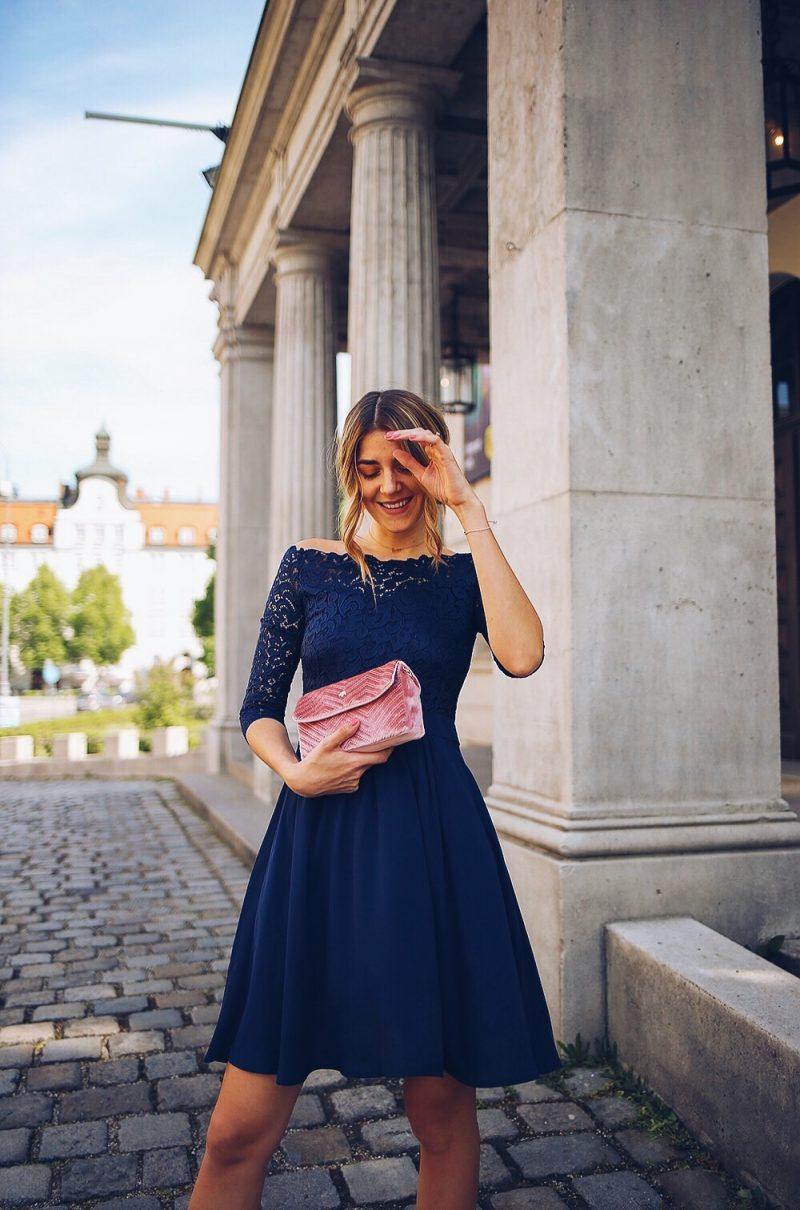 Kleid mit Spitze und Carmen Ausschnitt als Hochzeitsgast