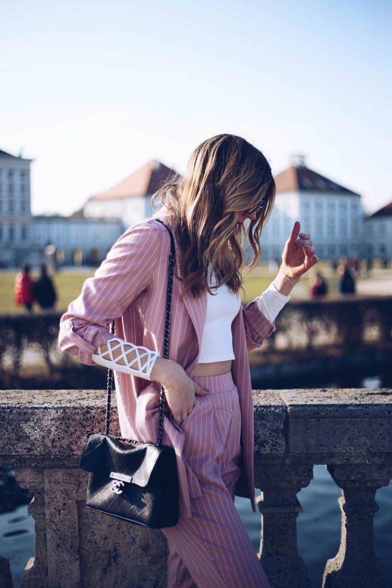 Chanel Tasche weiches Leder in Schwarz