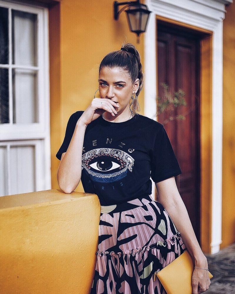 Kenze Eye T-Shirt, Max and Co Rock und Escada Clutch, Bo Kaap Kapstadt