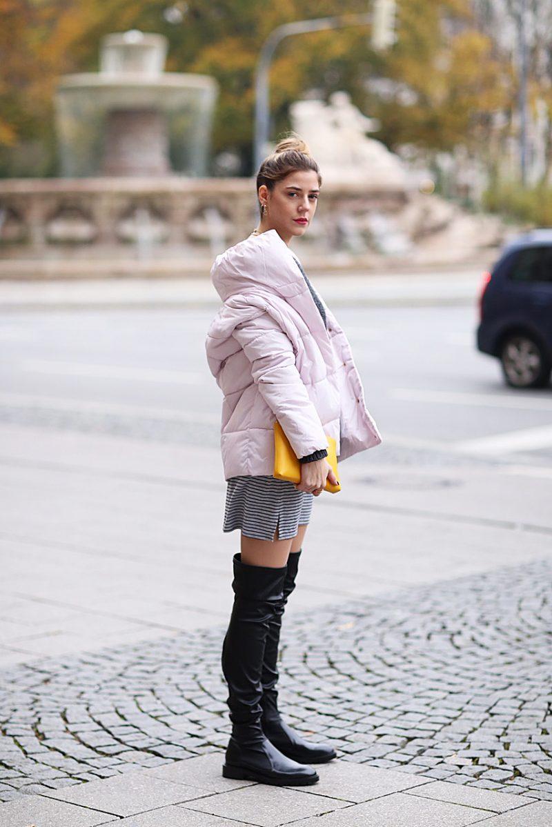 Steppjacke in Rosa und Overknees von Zara