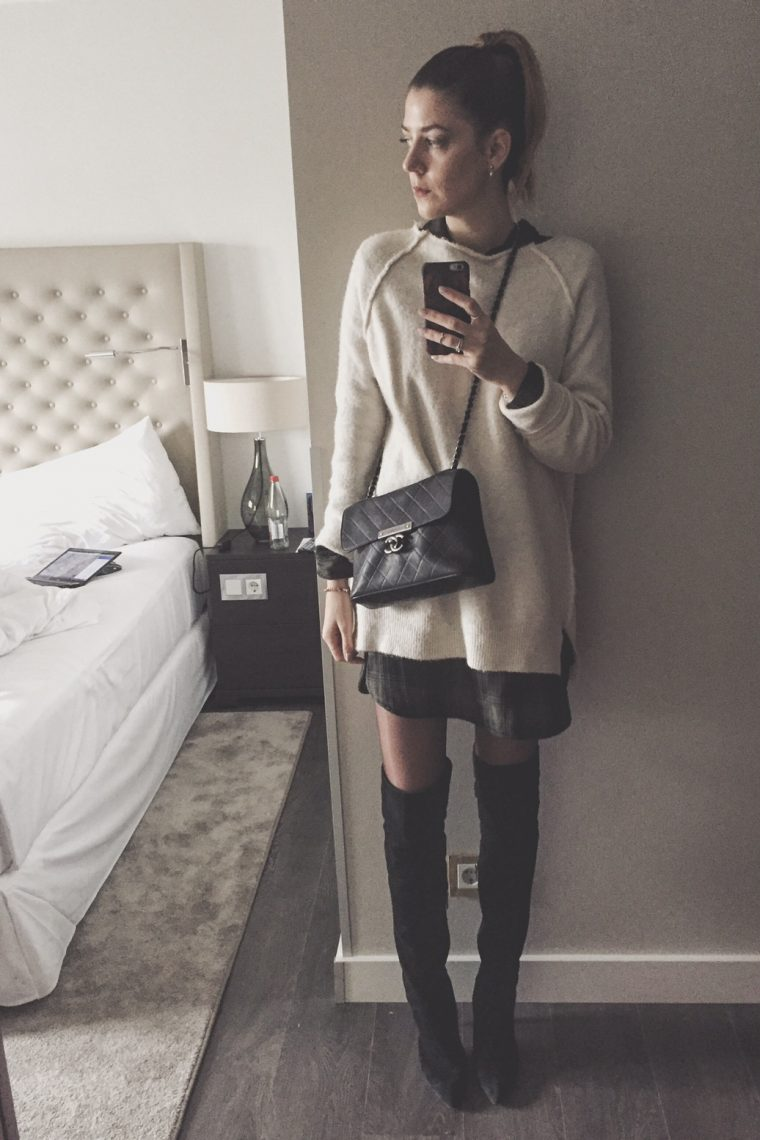 Lampshading Look with Overknee boots